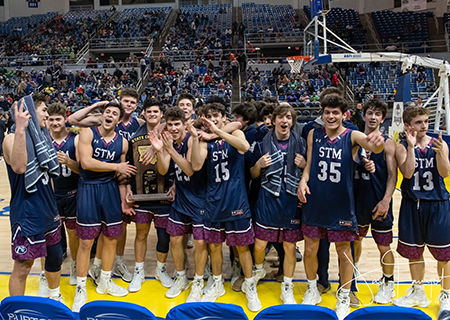 Cougar Basketball wins Back to Back State Title